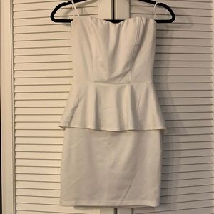 Guess strapless white peplum dress